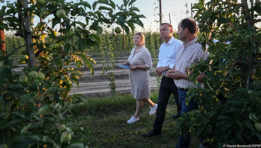 Prezydent odwiedził sadowników poszkodowanych przez gradobicia