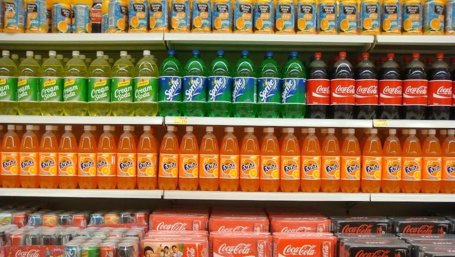 Pierwsze efekty wprowadzenia opłaty cukrowej - napoje słodzone drożeją