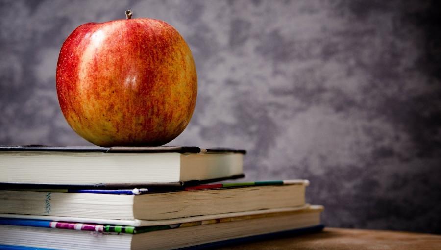 Zamiast kwiatów, jabłka na Dzień Nauczyciela!