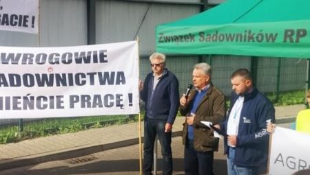 Protesty sadowników - dosyć pracy poniżej kosztów produkcji i dyktatu zagranicznych monopolistów!