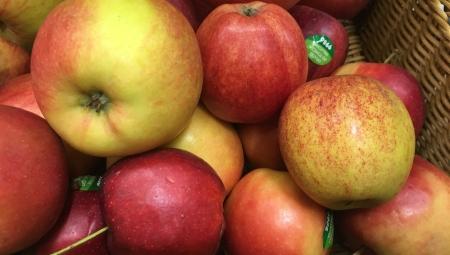 Nowatorska promocja jabłek drobnego kalibru w Żabce - Gala 60 mm w cenie 5 zł/kg