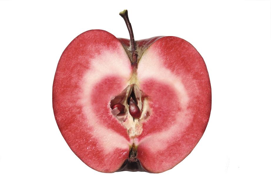 Jabłka odmiany czerwonomiąższowej.